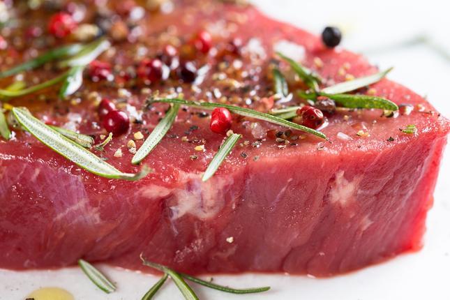 Co warto wiedzieć kupując mięso?