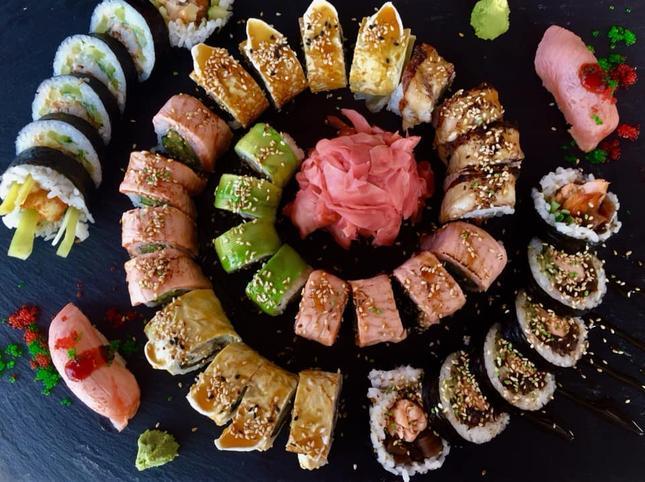 Hoshi Sushi: świętuj z sushi