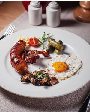 Restauracja Konfitura (ul. Słowackiego 8) zaprasza na chłopskie śniadanie