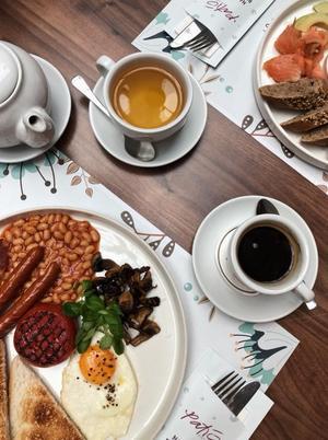 Restauracja Patio (ul. Dymnickiego 1a) proponuje 5 zestawów śniadaniowych do wyboru